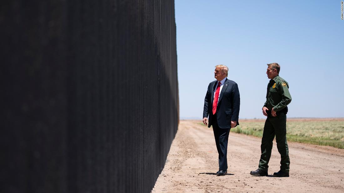 Trump tidak dapat mengalihkan dana militer untuk tembok perbatasan, kata pengadilan banding federal