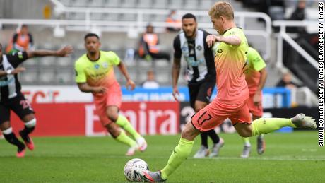 Kevin de Bruyne mencetak gol pertama Manchester City pada hari Minggu di hari ulang tahunnya.