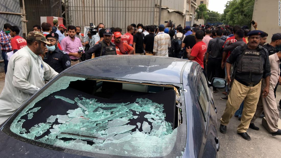 Bursa Efek Pakistan: Mulitple mati setelah orang-orang bersenjata menyerbu PSX di Karachi