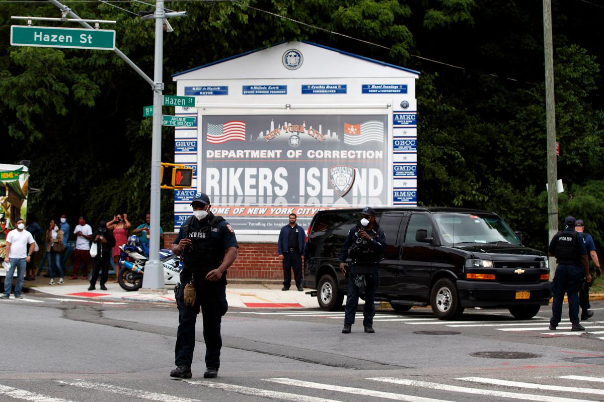 26 anggota geng didakwa melakukan penikaman keras di Pulau Rikers