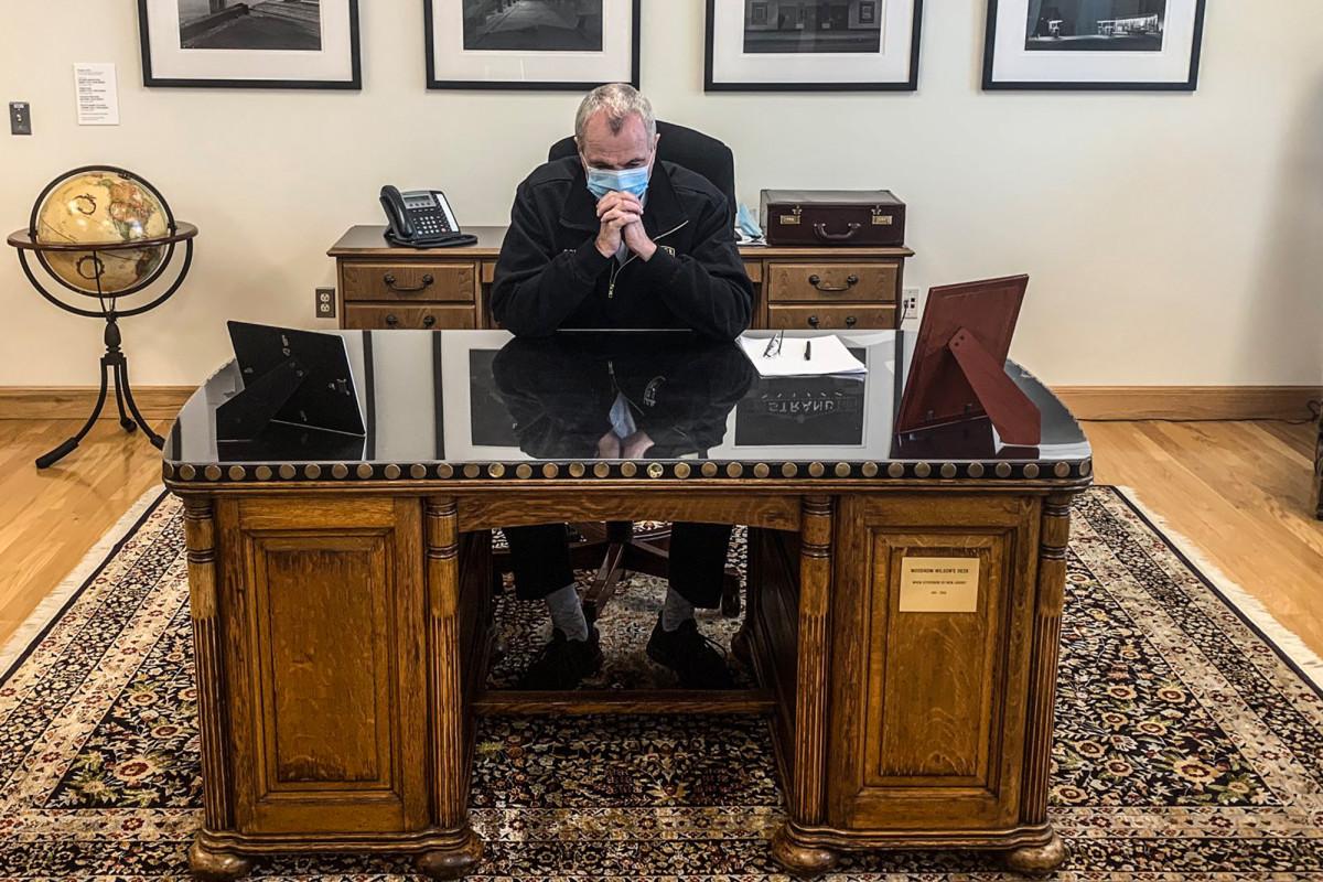 Gubernur Murphy meninggalkan meja Woodrow Wilson di tengah perlombaan 'perhitungan'