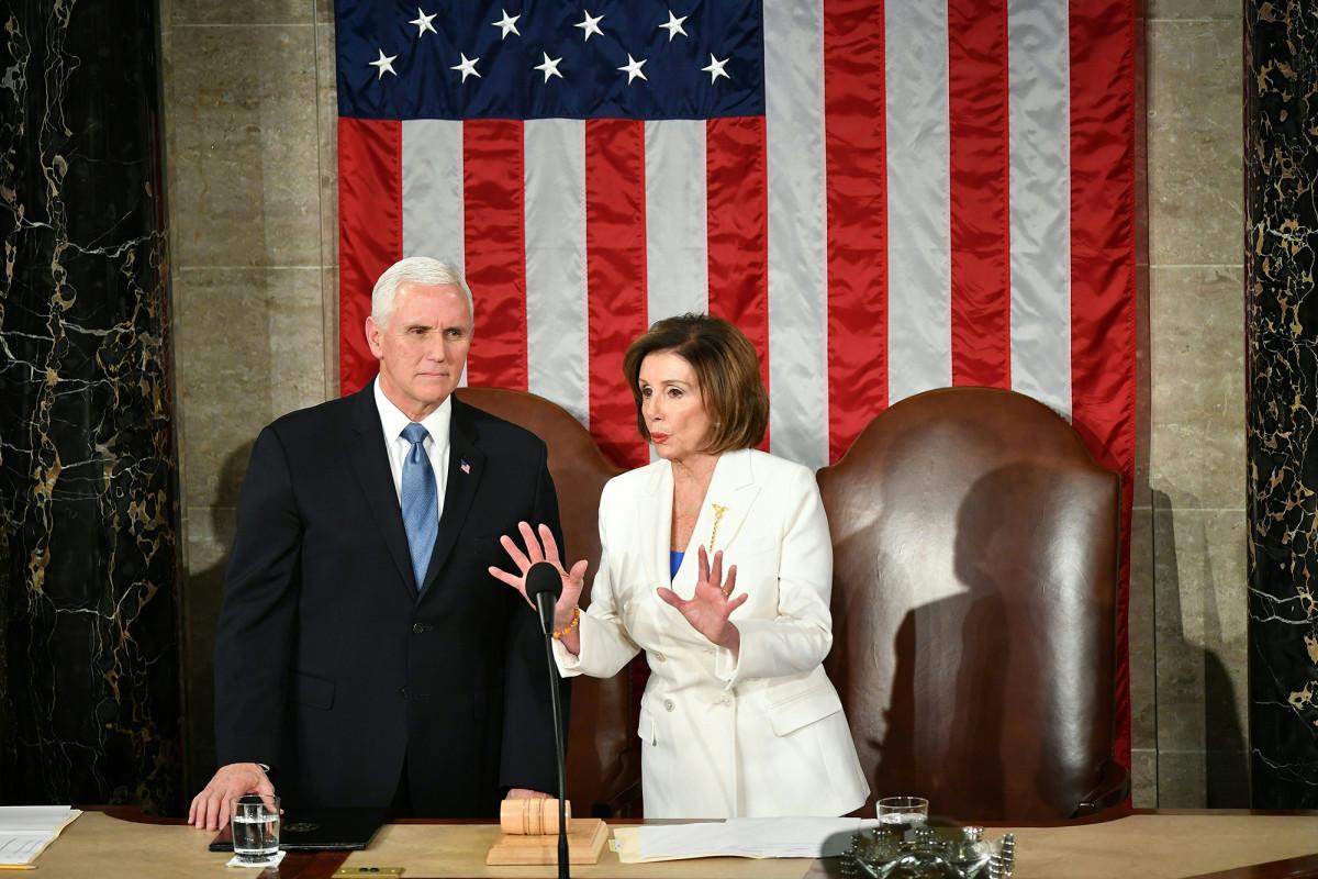 Mike Pence, Pelosi bentrok dalam mengimplementasikan mandat masker wajah