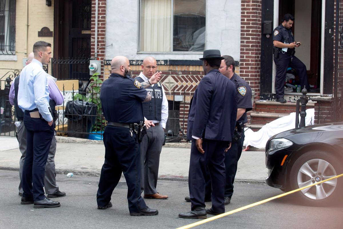 Penembakan melonjak di NYC meninggalkan 2 mati dan setidaknya 17 terluka