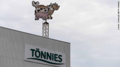 Jerman melaporkan 650 kasus virus korona baru di pabrik pemrosesan daging