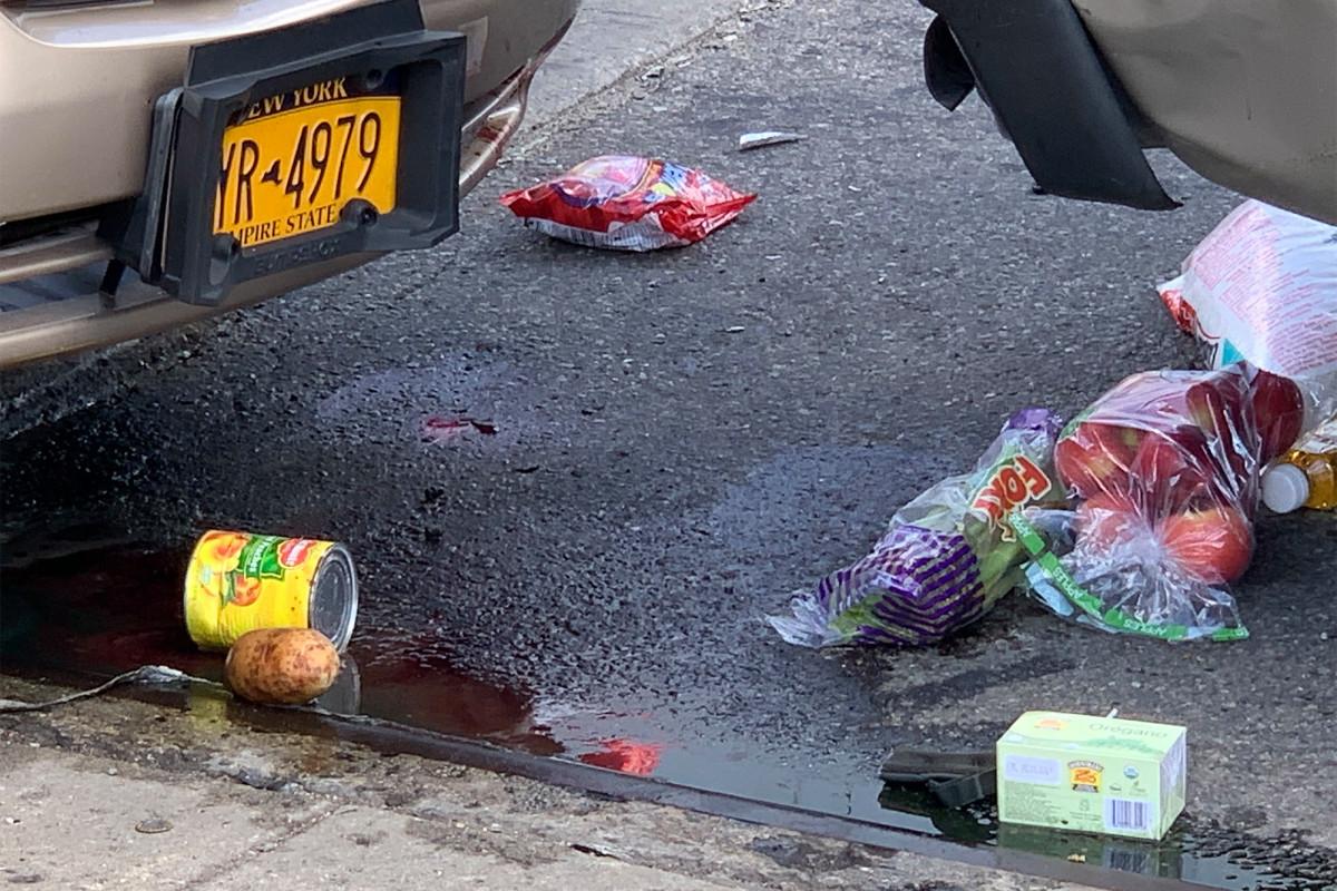 Wanita yang memberikan bantuan coronavirus diserang oleh pengemudi di Queens