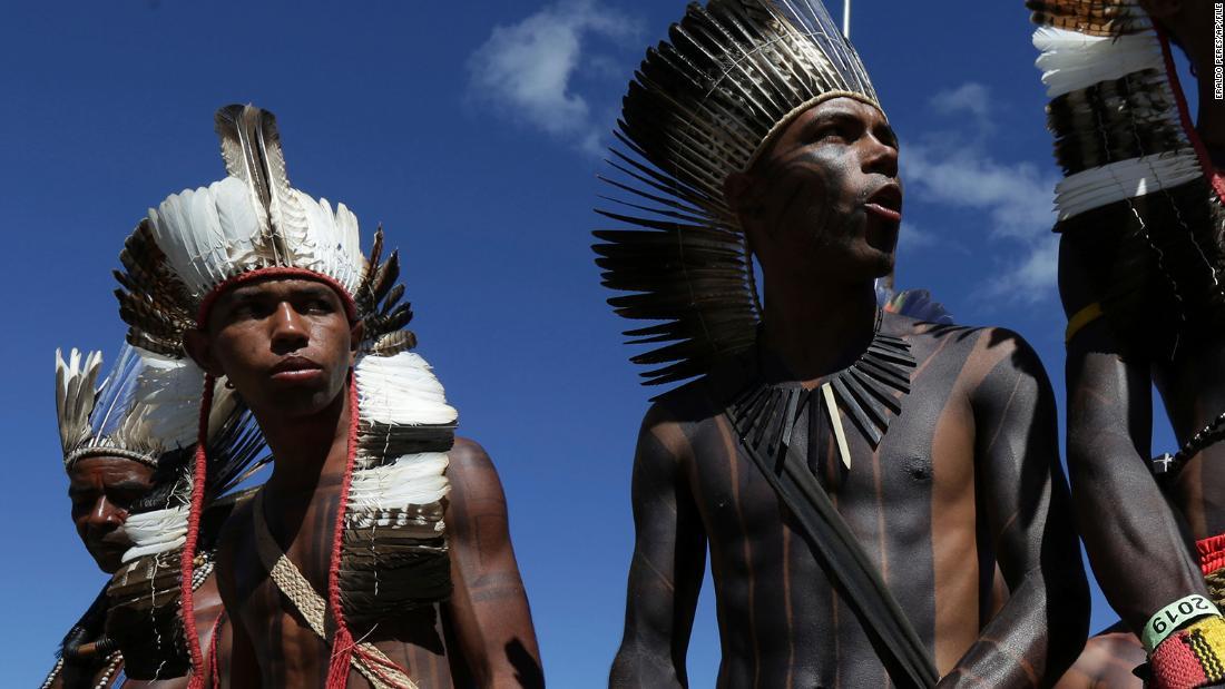 Covid-19 menyerang orang Xavante asli Brasil, dengan 13 kematian dalam 5 hari