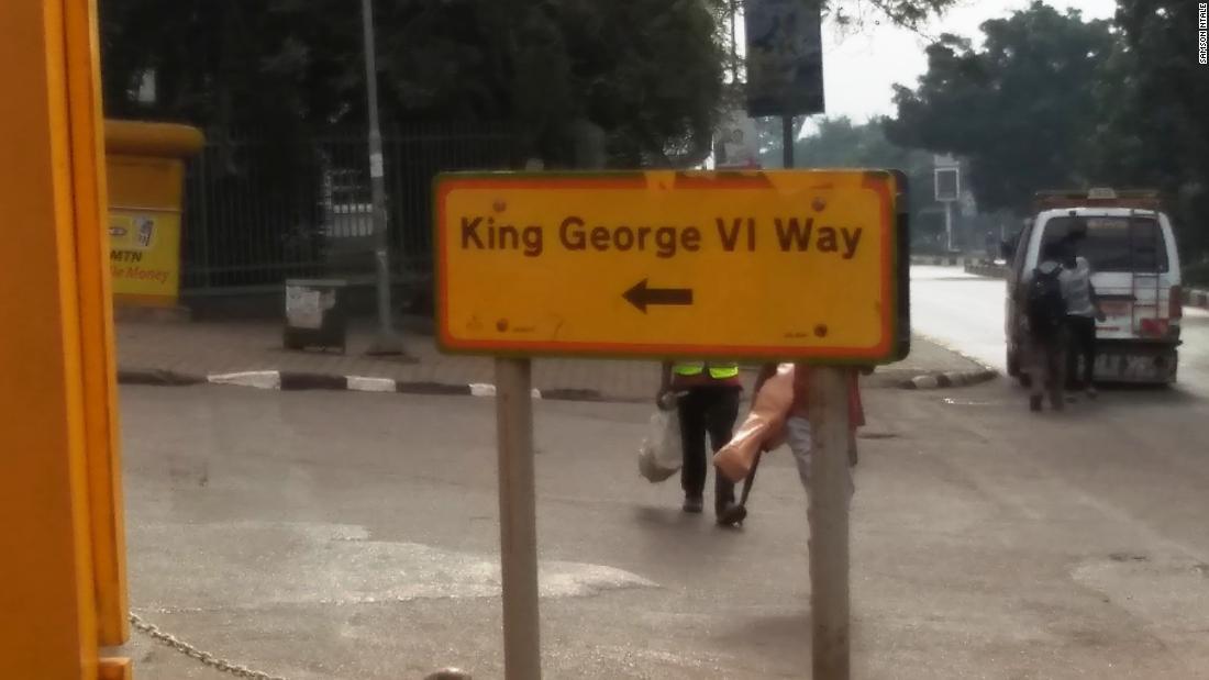 Dari Uganda ke Nigeria, para aktivis menyerukan kepada pemerintah mereka untuk menghapus nama-nama penjajah dari jalanan