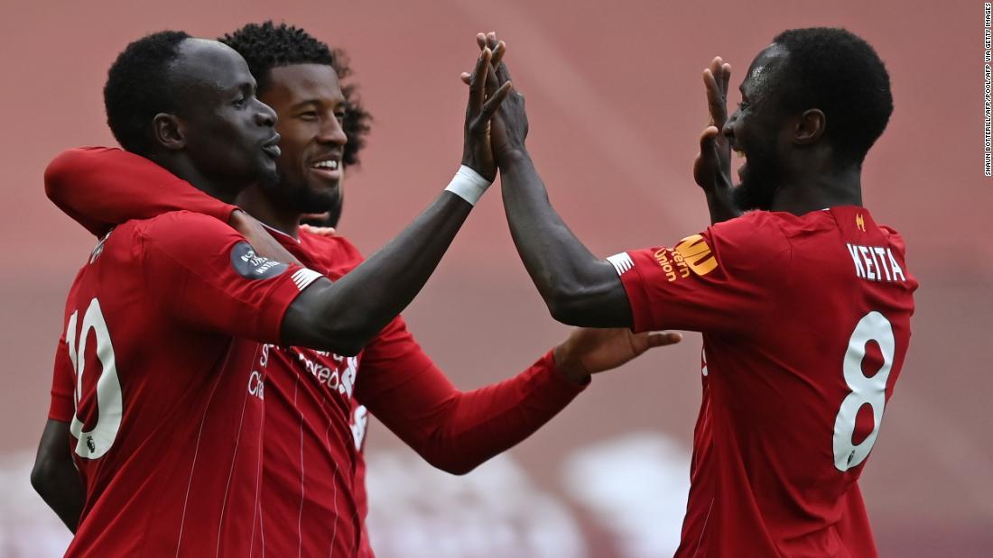 Liverpool kembali merayakan gelar Premier League dengan kemenangan atas Aston Villa