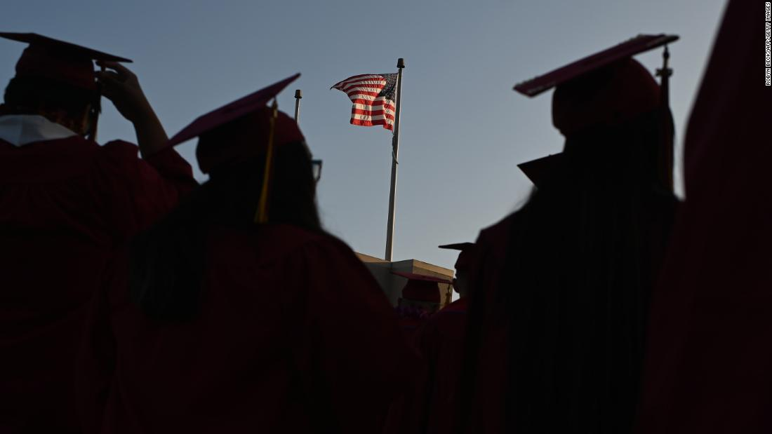 Satu juta siswa internasional berisiko dikeluarkan dari perguruan tinggi AS oleh ICE. Beberapa mungkin tidak akan pernah kembali