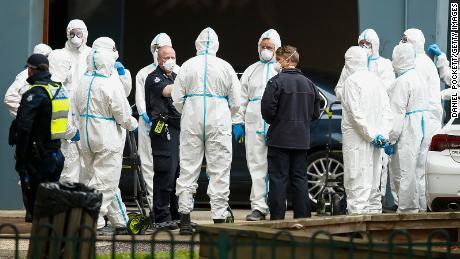 Australia akan memberlakukan kembali penguncian virus korona enam minggu di kota terbesar kedua sebagai negara yang menghadapi gelombang kedua yang potensial