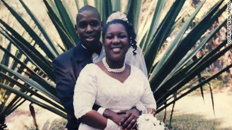 Ken dan Elsie Sazuze bertemu ketika mereka masih remaja di negara asalnya, Malawi. Sebagai orang dewasa di Inggris, pasangan ini memutuskan untuk kembali ke sekolah dan belajar keperawatan. Keduanya segera menghadapi rasisme dan diskriminasi, tetapi mengalami perjuangan mereka bersama.