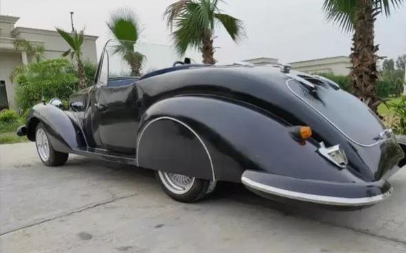 Replika mobil klasik