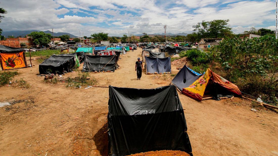 Covid-19 memaksa Venezuela untuk pulang. Tetapi melintasi perbatasan itu tidak mudah