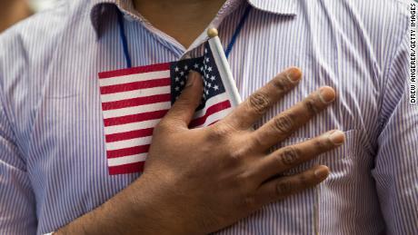 Kekurangan $ 1 miliar, cuti bisa membuat sistem imigrasi AS terhenti