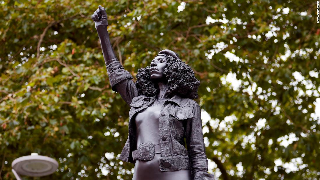 Patung Edward Colston diganti dengan salah satu pemrotes Bristol