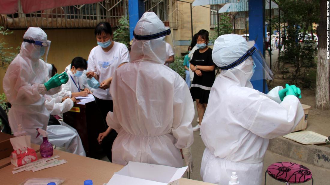Ibu kota Xinjiang dikunci karena lonjakan kasus coronavirus