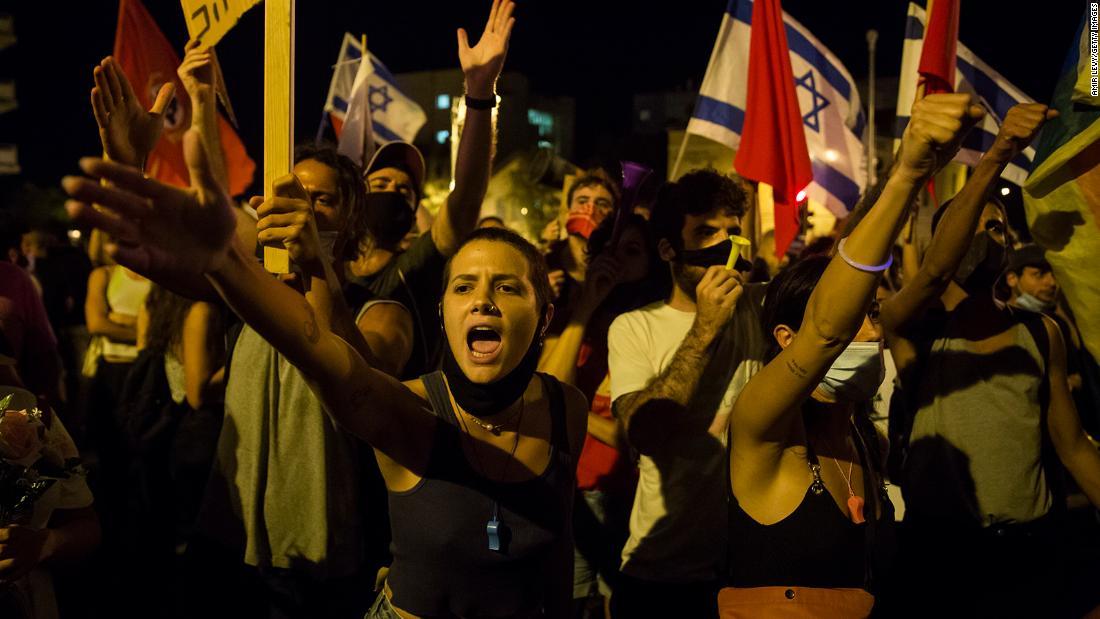 Protes coronavirus Israel: Netanyahu menyajikan 'makanan terakhir' oleh para restauranteurs saat kekacauan meningkat