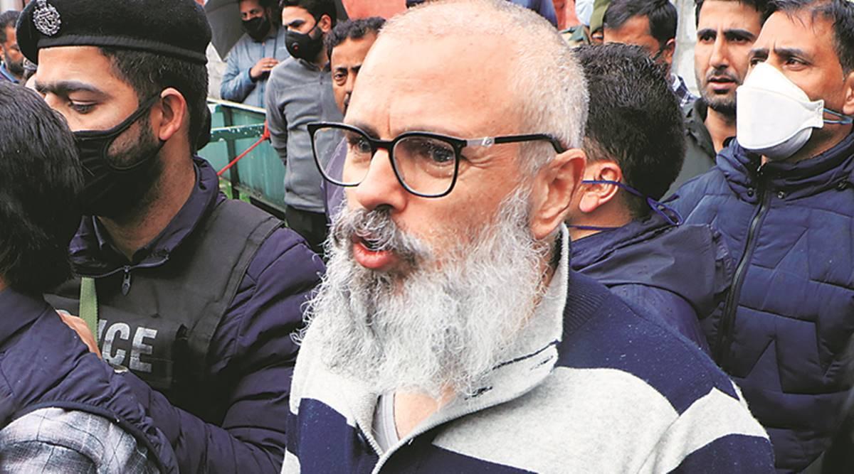 'Tidak akan menentang jajak pendapat Majelis sampai negara bagian pulih, membuat J&K UT adalah penghinaan': Omar Abdullah