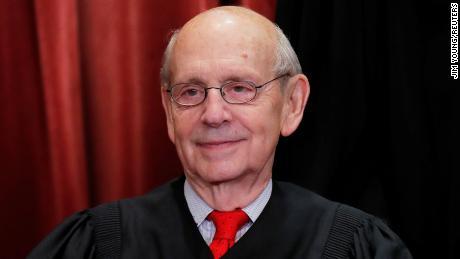 Breyer: & # 39; Politik keluar dari jendela & # 39; sekali hakim bergabung dengan Mahkamah Agung