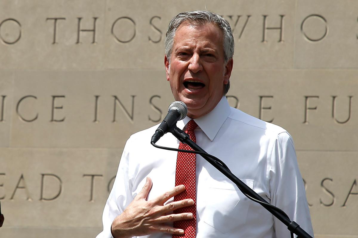 Agen keamanan sekolah NYC tetap bersama NYPD