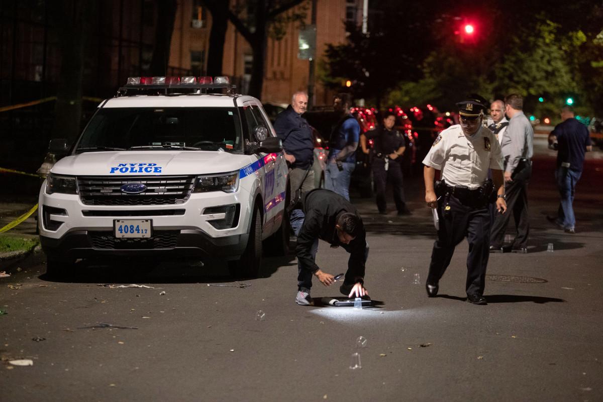 Bocah 1 tahun di antara empat orang ditembak di luar taman Brooklyn