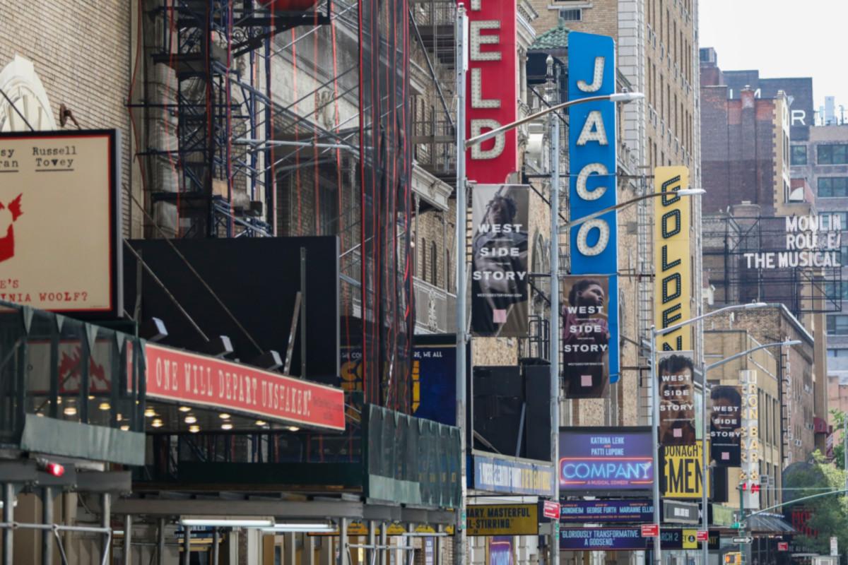 BriteShot berharap teknologi dekontaminasi di belakang panggung akan membantu Broadway bangkit kembali