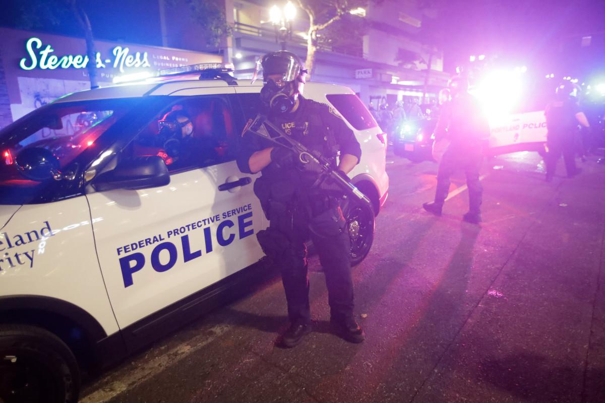 Dua orang ditangkap setelah suara tembakan di dekat lokasi protes Portland
