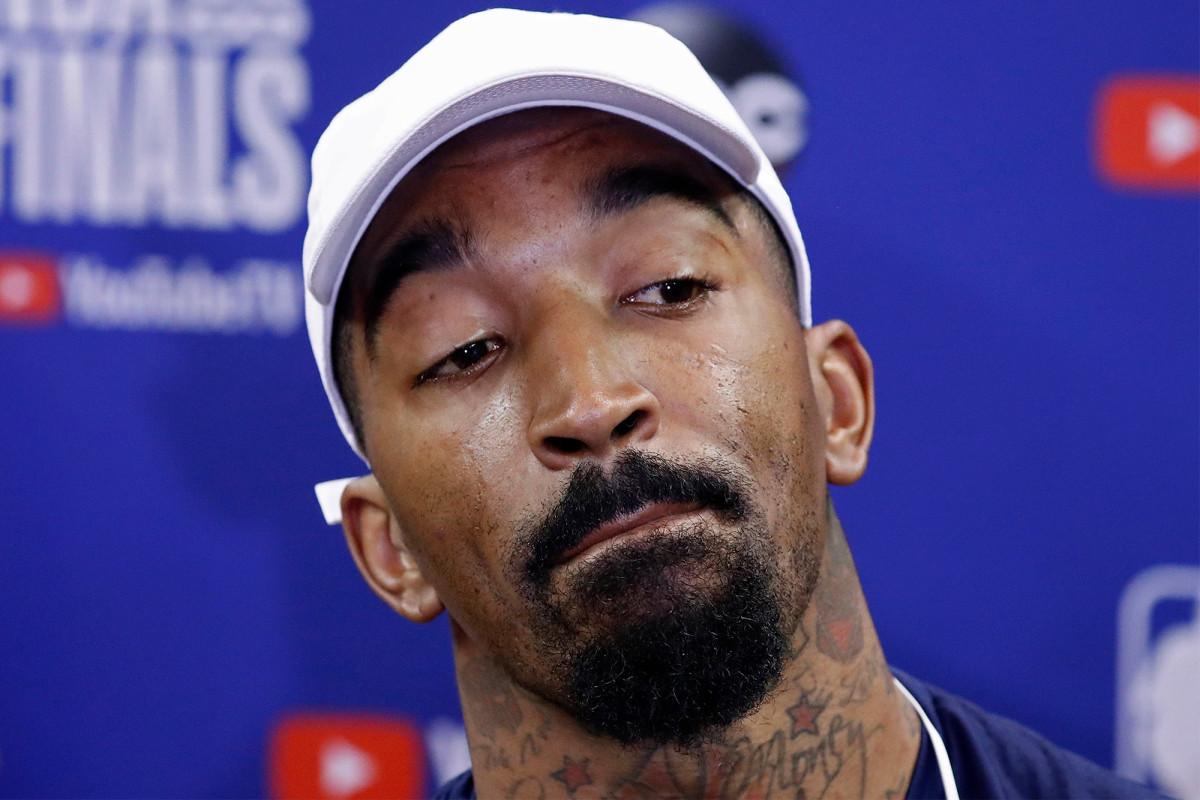 J.R. Smith mengatakan untuk berhenti 'mengekspos terlalu banyak s-t' dalam gelembung NBA