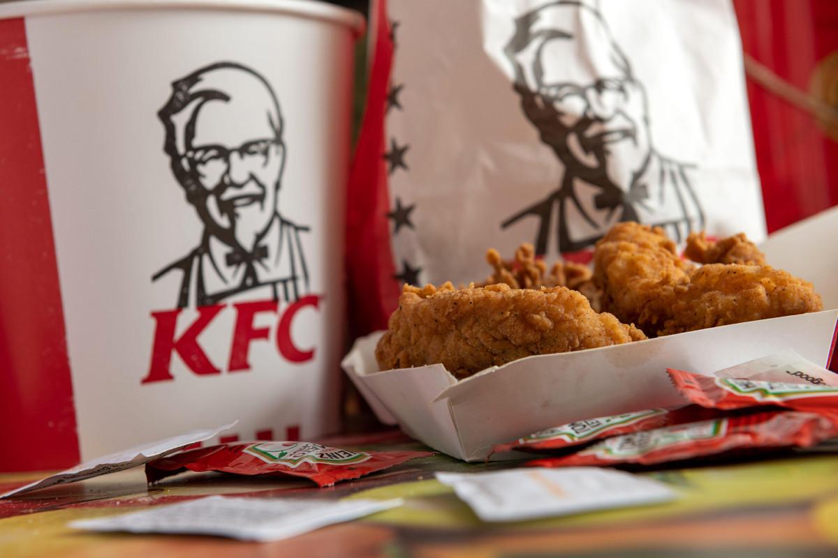 KFC menggunakan 'sel daging hewan' untuk mencetak daging ayam 3D di laboratorium Rusia
