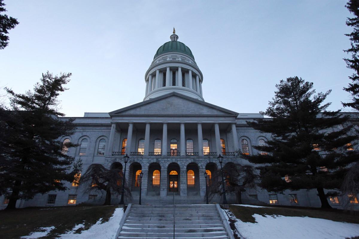 Maine menggunakan pemilihan suara untuk presiden setelah pencabutan gagal