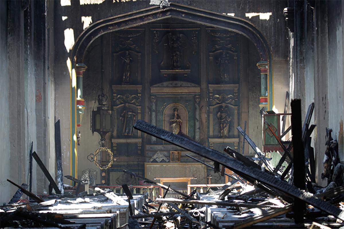 Misi San Gabriel hancur dalam kebakaran dini hari
