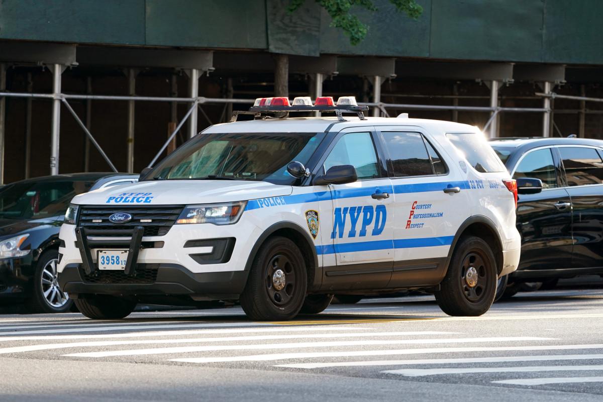 Bill akan meminta polisi NY untuk memiliki asuransi untuk gugatan kewajiban