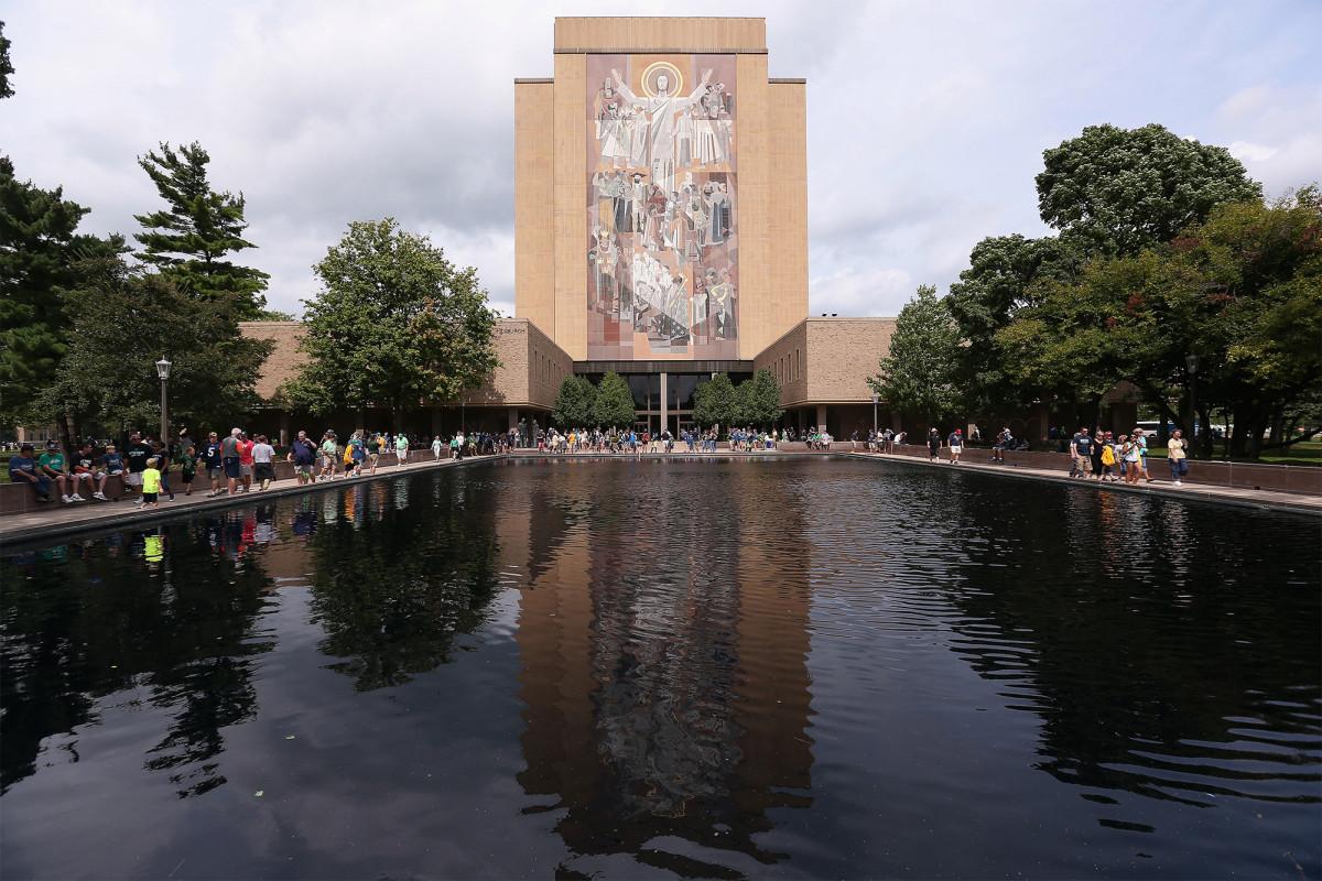 Notre Dame menarik diri dari debat pertama Trump-Biden