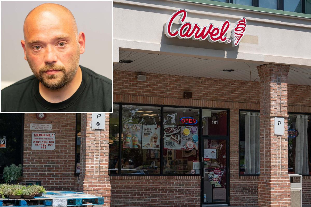 Palungan Long Island Carvel dipecat karena menolak melayani pelanggan yang batuk dan tanpa topeng