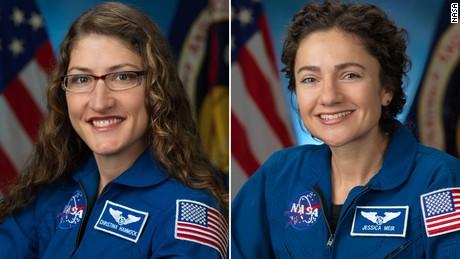 Astronot Christina Koch dan Jessica Meir berhasil menyelesaikan wahana antariksa yang semuanya berjenis kelamin perempuan