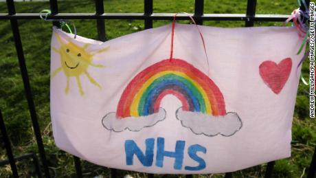 Layanan kesehatan Inggris adalah bagian dari jiwa nasionalnya. Itu juga mendukung hidup