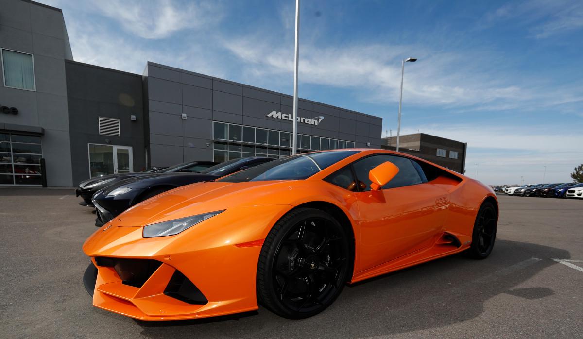 Pria Miami meniup dana PPP di Lamborghini, situs kencan, menginap di hotel