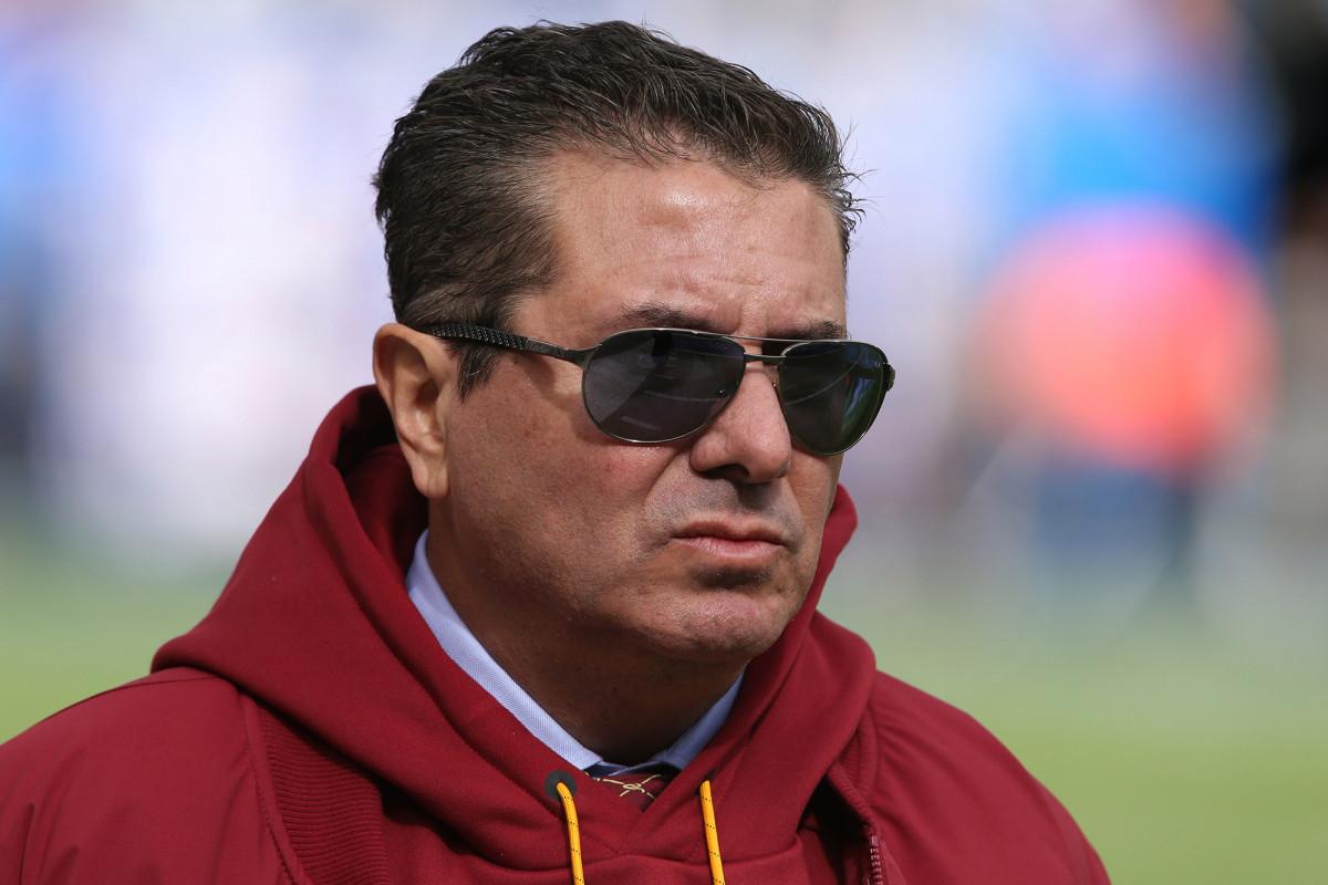 Redskins 'Dan Snyder menghadapi tekanan memuncak untuk berganti nama