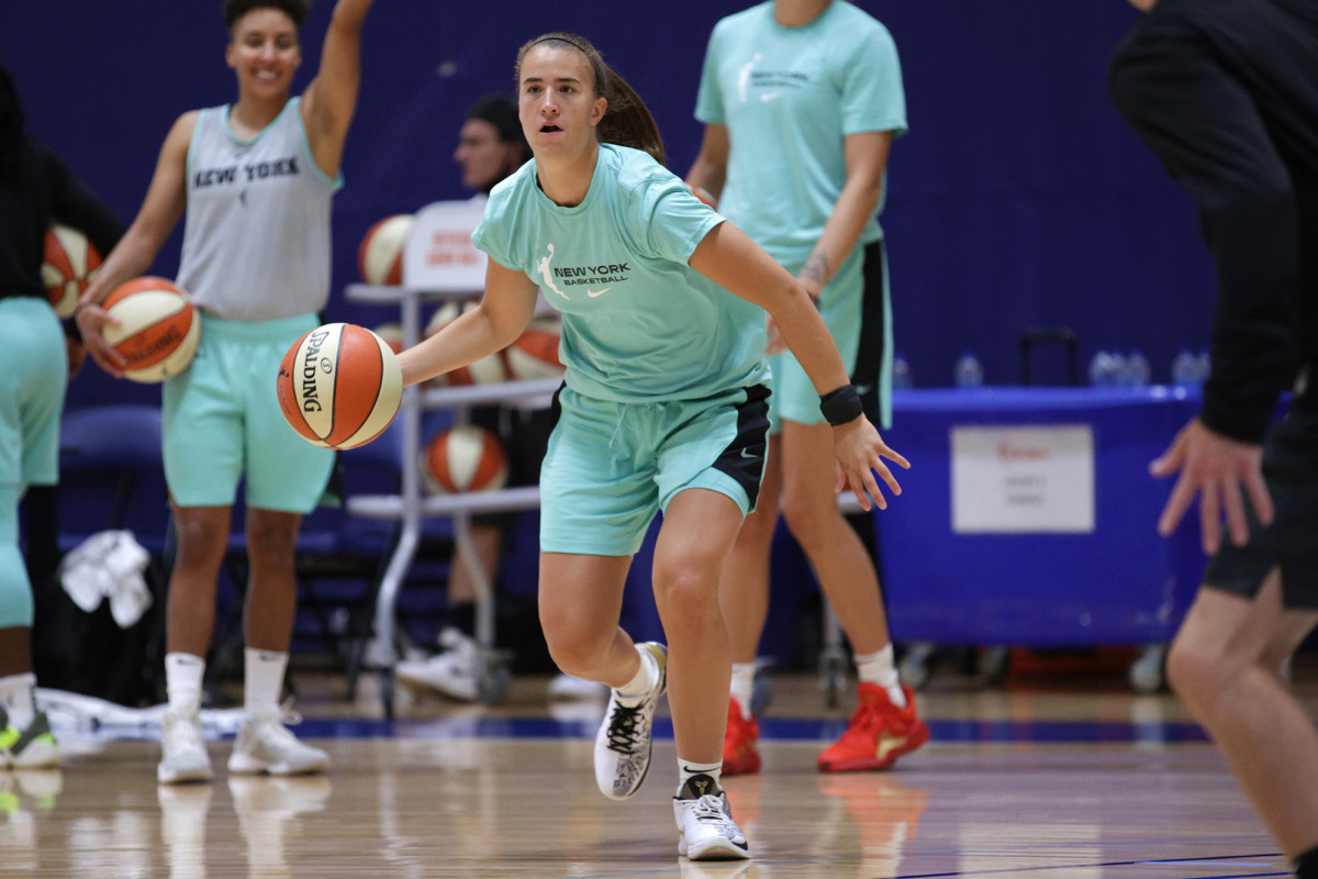 Sabrina Ionescu dari Liberty menemukan kenyamanan dalam gelembung WNBA