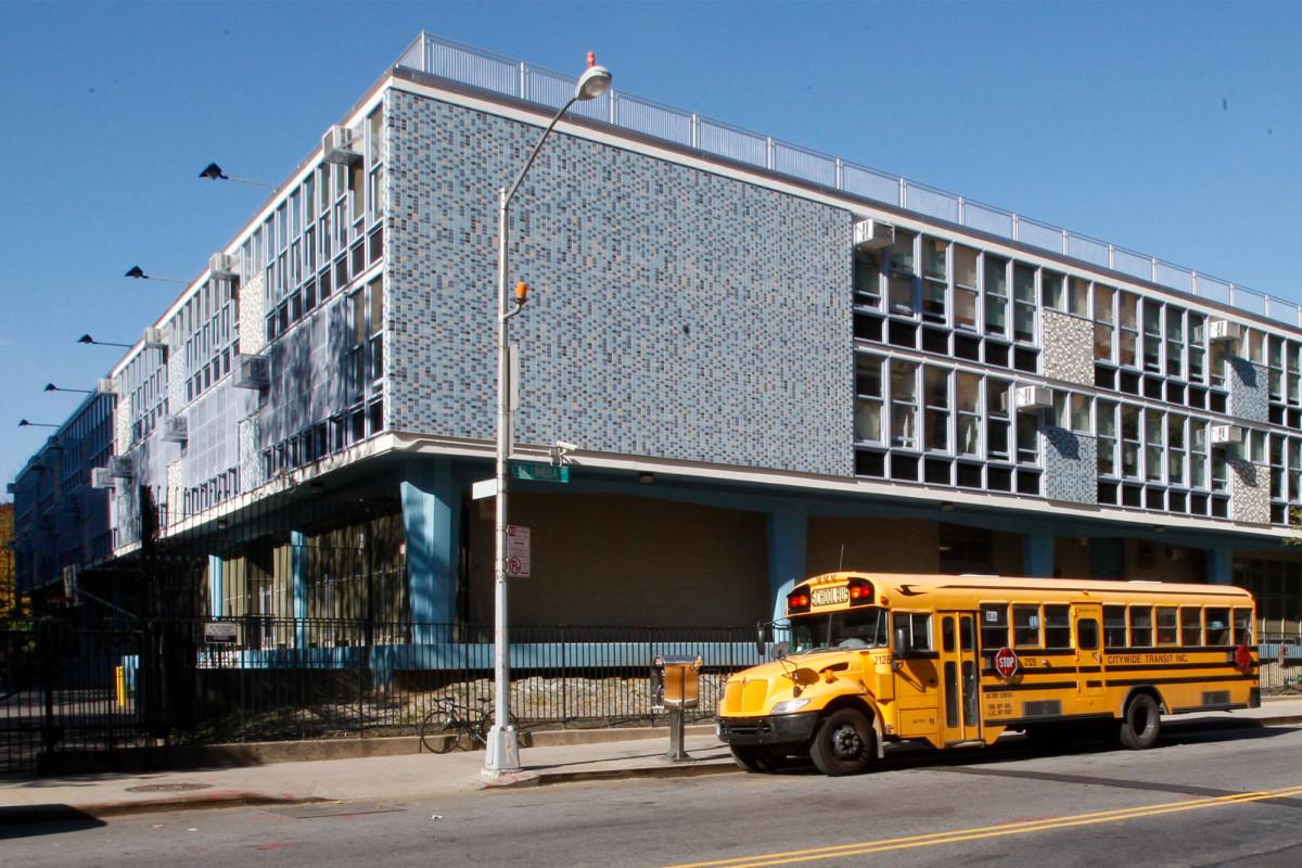 Sekolah NYC berperingkat tinggi menginginkan pembelajaran jarak jauh full-time tahun depan