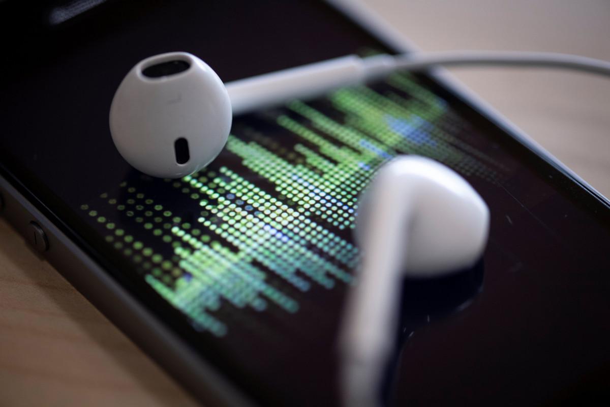 SiriusXM membeli layanan podcast Stitcher seharga $ 325 juta