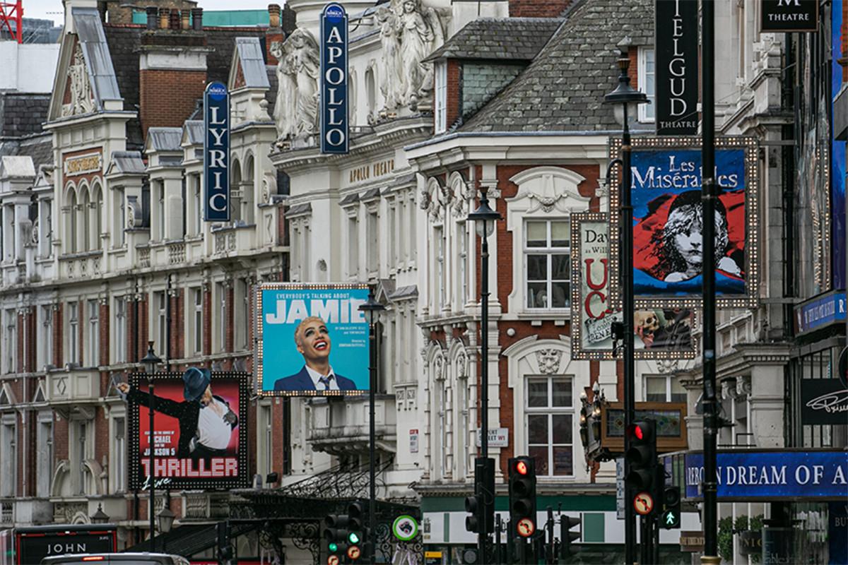 Teater UK dan tempat-tempat musik dibuka kembali 1 Agustus