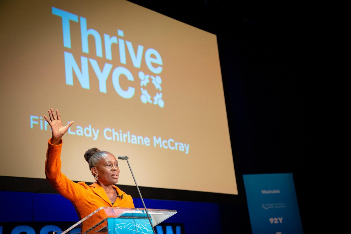 ThriveNYC merekrut staf baru meskipun pembekuan kota mempekerjakan
