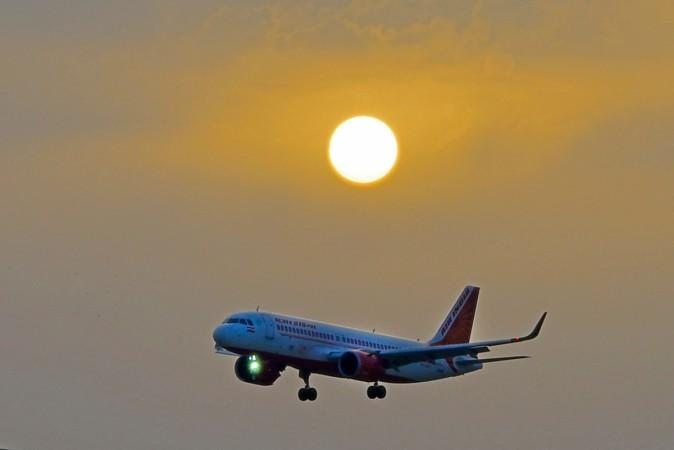 Pesawat Air India menerbangkan perjalanan perdana dari Lucknow,
