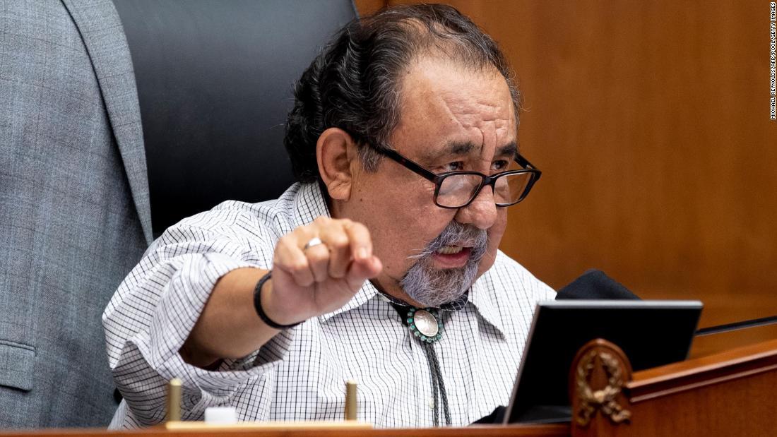 Raul Grijalva: anggota Kongres Demokrat Arizona tes positif untuk Covid-19