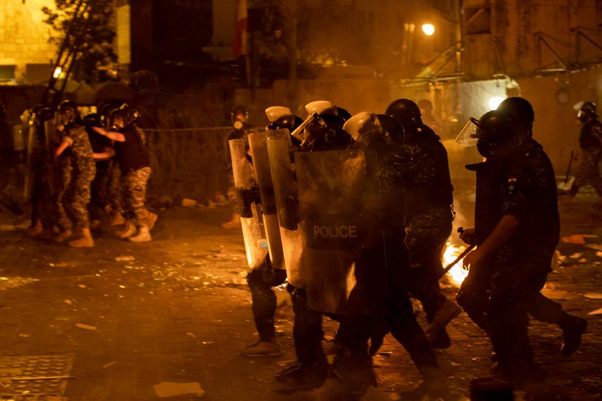 Protes anti-pemerintah mendidih di Beirut setelah ledakan pelabuhan