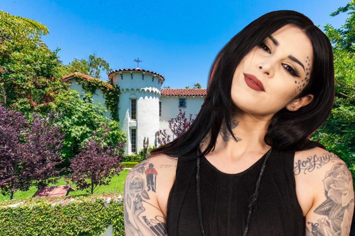 Kat Von D mencantumkan rumah Hollywood Hills seharga $ 3,4 juta