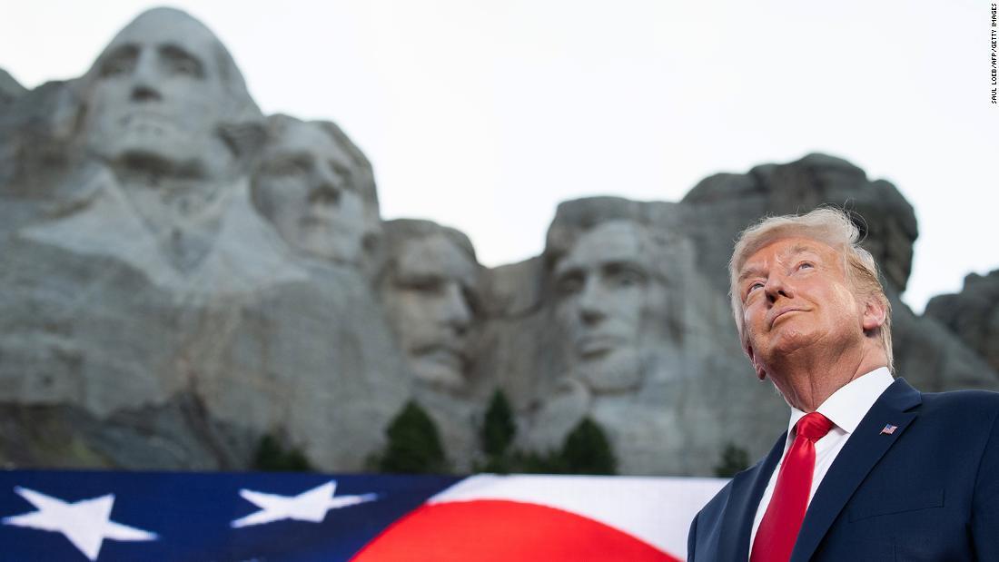 NYT: Gedung Putih menghubungi gubernur Dakota Selatan tentang menambahkan Trump ke Gunung Rushmore