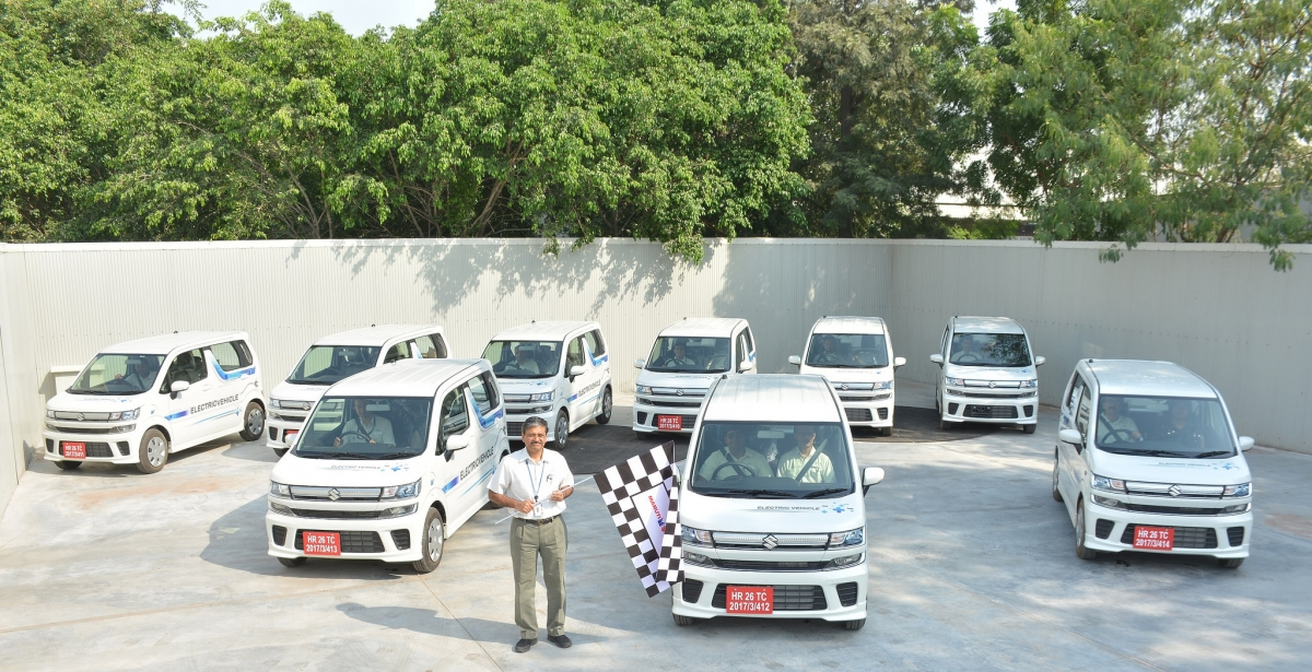 Govt permits sale of EVs without batteries; reason behind puzzling decision