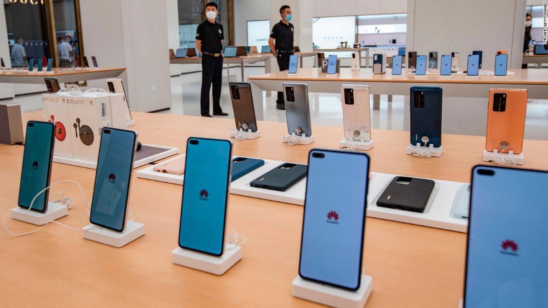 Bisnis ponsel pintar Huawei berisiko setelah AS memutus akses ke chip canggih